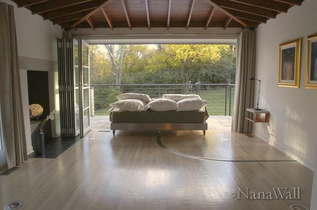 Modern Bedroom by NanaWall