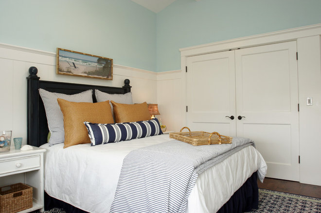 Beach Style Bedroom by Darci Goodman Design