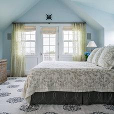 Beach Style Bedroom by Stedila Design