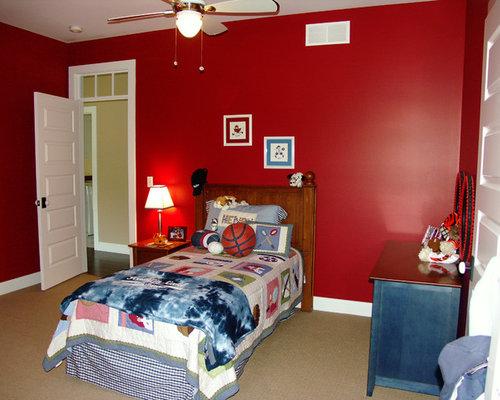 Chambre mansard e ou avec mezzanine rouge photos et - Chambres mansardees ...