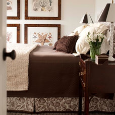 Traditional Bedroom by Pinemar, Inc
