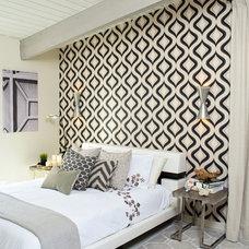 Midcentury Bedroom by Jana Bishop Photography