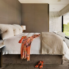 Contemporary Bedroom by Gregory Phillips Architects