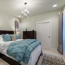Traditional Bedroom by Urban Squared Realty, Brickley Team