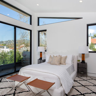 Bedroom - contemporary bedroom idea in Los Angeles