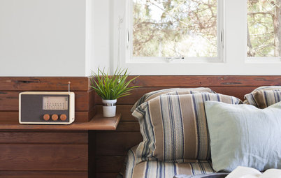 Small-Bedroom Solution: No Room for a Nightstand? Float One