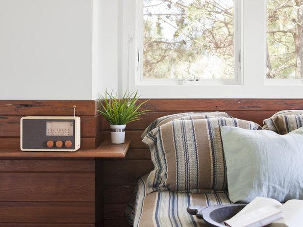 コンテンポラリー 寝室 by Richard Bubnowski Design LLC