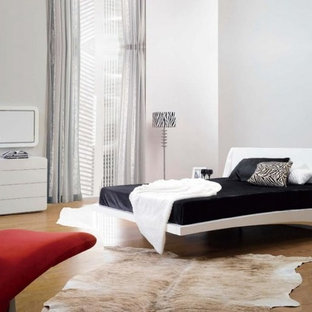 Example of a minimalist bedroom design in New York