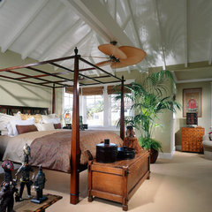 traditional bedroom by Sennikoff Architects