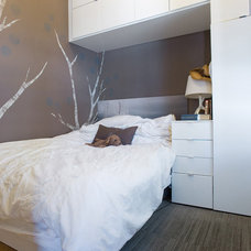 Modern Bedroom by roomTEN design