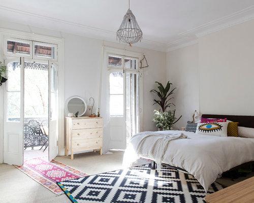 eklektische schlafzimmer mit beiger wandfarbe ideen design bilder. Black Bedroom Furniture Sets. Home Design Ideas