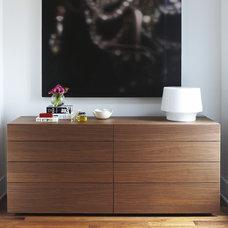 Modern Bedroom by Croma Design Inc