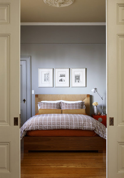 Transitional Bedroom by John Lum Architecture, Inc. AIA