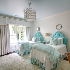 traditional bedroom by Castro Design Studio