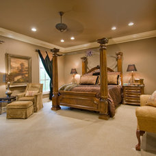 Traditional Bedroom by 3wiredesigns