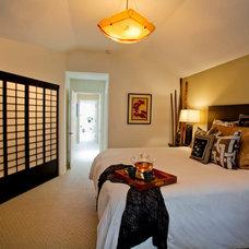 Modern Bedroom by L.EvansDesignGroup,inc