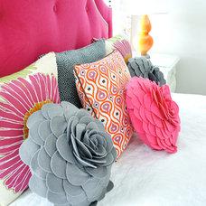 Eclectic Bedroom by evaru design