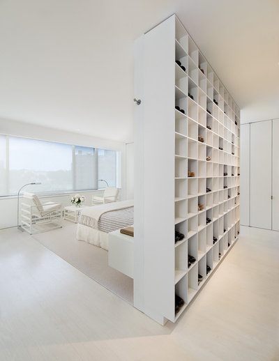 Contemporary Sovrum by Jacobsen Architecture, LLC