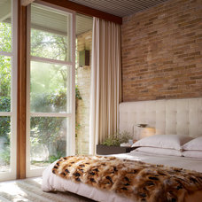 midcentury bedroom by Bauhaus Custom Homes
