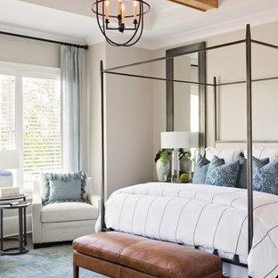 Idées déco pour une chambre avec moquette classique avec un mur gris et un sol bleu.