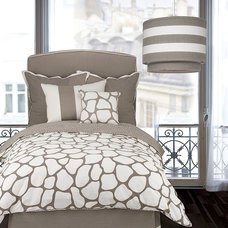 Contemporary Bedroom by purehome