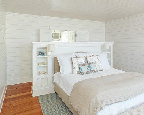 chambre exotique avec un sol en bois brun photos et id es d co de chambres. Black Bedroom Furniture Sets. Home Design Ideas