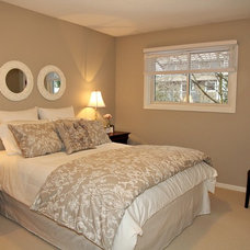 Traditional Bedroom by Feels Like Home 2 Me~ Home Staging in Toronto West