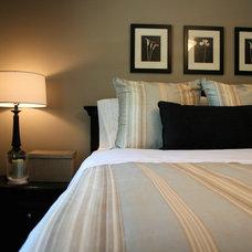 Traditional Bedroom by Ieteke
