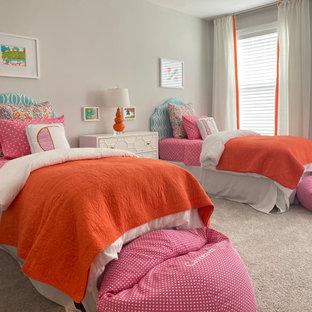 Diseño de dormitorio clásico renovado de tamaño medio