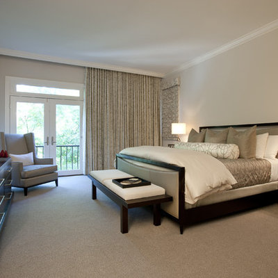 Bedroom - transitional carpeted bedroom idea in Chicago with beige walls
