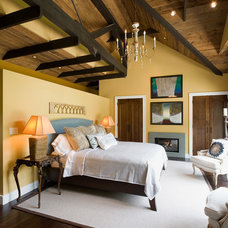 Rustic Bedroom by HUDSON DESIGN Architecture & Construction Mgmt