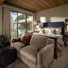 Bedroom by Ownby Design