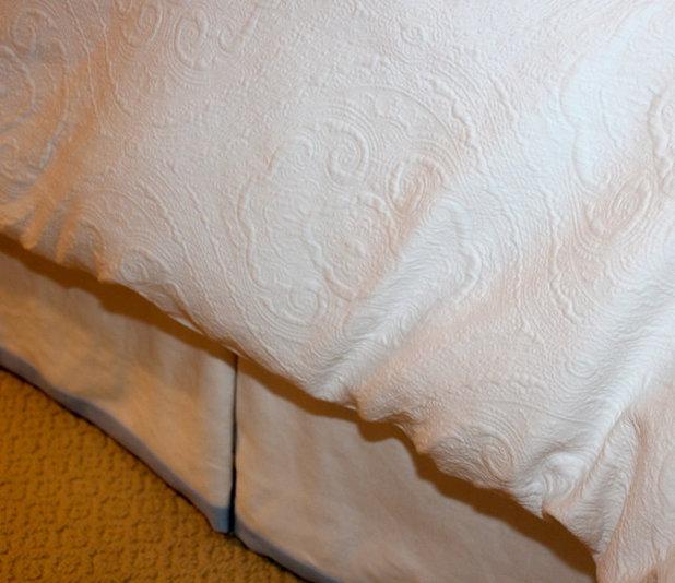 Traditionelle Schlafzimmer von Mitchell Designs LLC
