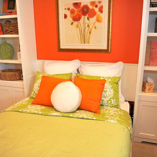 This is an example of a classic bedroom in Phoenix.