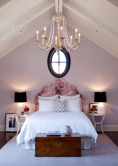 schlafzimmer mit dachschr ge gestalten 8 tipps. Black Bedroom Furniture Sets. Home Design Ideas