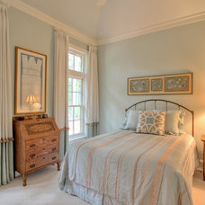 Traditional Bedroom by Ellis Construction Co., Inc.