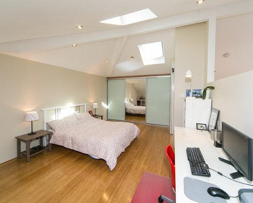 chambre mansard e ou avec mezzanine moderne beige photos et id es d co de chambres mansard es. Black Bedroom Furniture Sets. Home Design Ideas