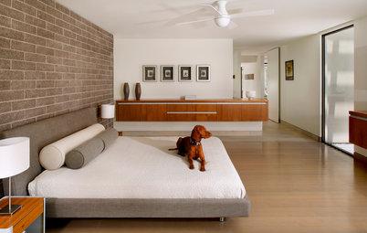 ¿Cuál es el mejor lugar para colocar la cama en el dormitorio?