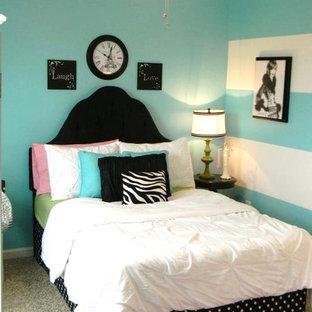 Bedroom - contemporary bedroom idea in Richmond