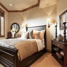 Traditional Bedroom by Cameo Homes Inc.