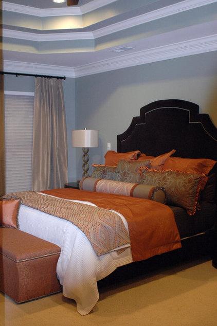Modern Bedroom by Valerie Davis