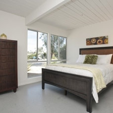 Midcentury Bedroom by The Paul Kaplan Group, Inc