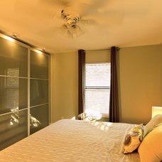 Modern Bedroom by Daniel M Martin, Architect LLC