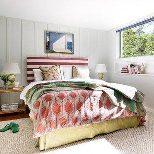 Maritimes Hauptschlafzimmer mit Korkboden in Sydney