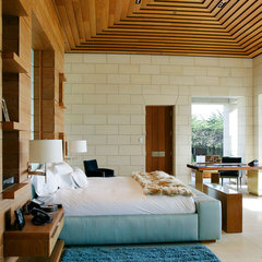 modern bedroom by BAR Architects