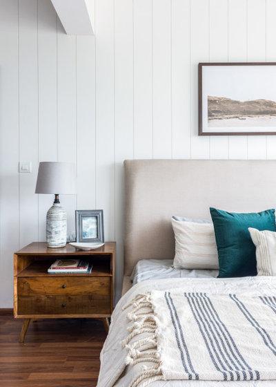 Contemporary Bedroom by Sunita Yogesh Studio