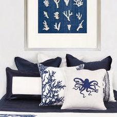 Beach Style Bedroom by Bandhini Homewear Design