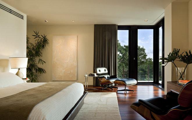 Modern Bedroom by hughesumbanhowar architects