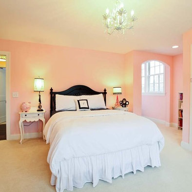 http://st.houzz.com/fimages/352407_5866-w394-h394-b0-p0--traditional-bedroom.jpg