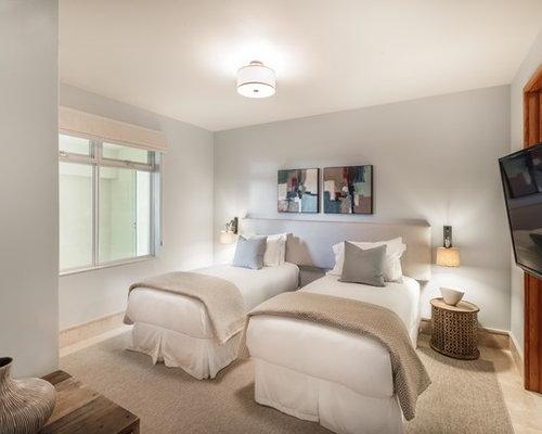 Camera degli ospiti con pavimento in travertino foto e for Design della camera degli ospiti